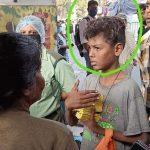 বেঁচে থাকার তাগিদে ধূপকাঠি বিক্রি, অনুরোধে জুটল জুতোরবারি